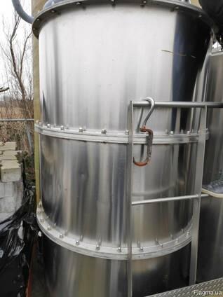 Промышленный миксер для молочного производства.