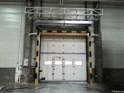 Промышленные секционные ворота Alutech,Doorhan.