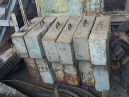 Противовес стальной 328кг, в наличии 6 штук Противовес сталь