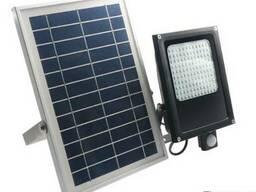 Прожектор на солнечной батарее 120 LED c датчиком движения