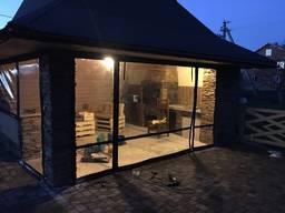 Прозорі, захисні, бокові штори для літних конструкцій.