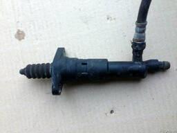 Рабочий цилиндр сцепления MR980799 на Mitsubishi Colt 04-12