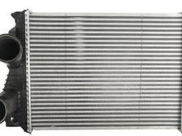 Радиатор интеркуллера на грузовик Mercedes Atego