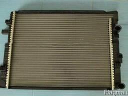 Радіатор системи охолодження IVECO