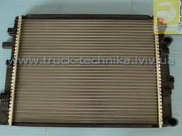 Радиатор Mercedes Vario 6685000002