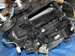 Радиатор охлаждения 27140-AM61A на Infiniti FX35 03-08 (Инфи