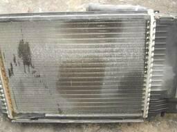 Радиатор охлаждения двигателя BMW E36 (1990г-2000г)