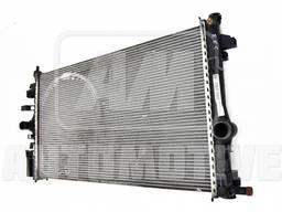 Радиатор охлаждения двигателя Opel Insignia
