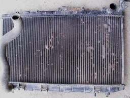 Радиатор охлаждения Nissan Primera P10 (1990г-1995г) 1, 8і;