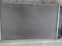 Радиатор охлаждения Opel Vectra C 1.9 дизель