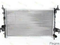 Радиатор воды Combo 1.3 CDTi 04> ( /- AC)