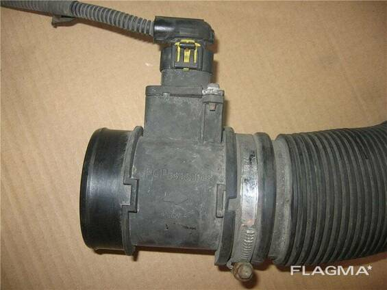 Расходомер воздуха Легковой Opel Zafira 55350046