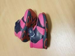 Распродажа детской обуви.