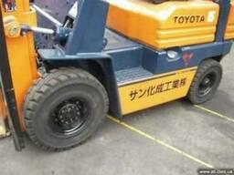 Распродажа японских вилочных погрузчиков Toyota б/у Украина