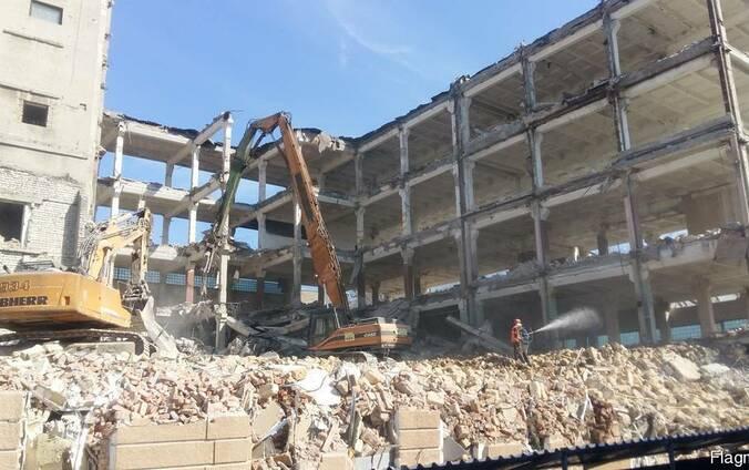 Демонтаж железобетонных зданий в Одессе и области.