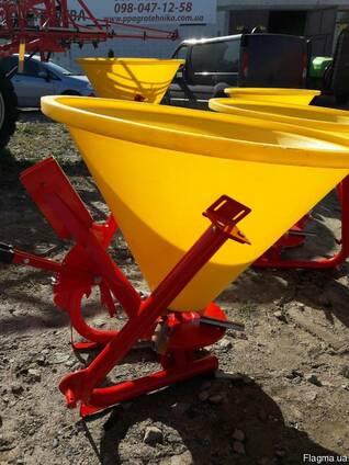 Разбрасыватель на трактор 300 кг фирмы Jar-Met Польша