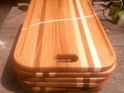 Разделочная доска деревяная. Удобная, красивая.