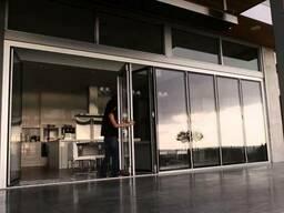 Раздвижные двери - гармошка Reynaers