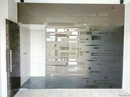 Раздвижные стеклянные двери, перегородки, душевые двери из с