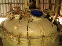 Реактор эмалированный 2, 5 куб. м. б/у