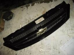 Решетка радиатора Chevrolet Lacetti 2004-2009 хетчбек 1. 8 МК
