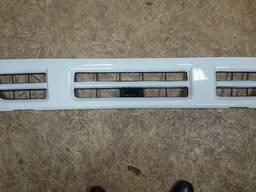 Решетка радиатора грузовика ISUZU