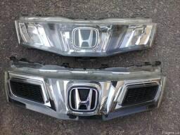 Решетка радиатора Honda civic 5d автозапчасти