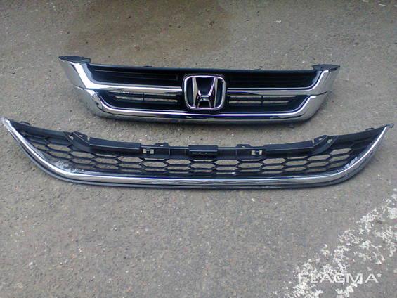 Решетка радиатора Honda CR-V 2011 год(новая)