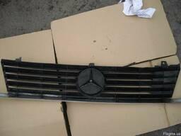 Решетка радиатора Mercedes Vito W638 (1996г-2003г). - фото 3