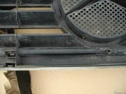 Решетка радиатора Mercedes Vito W638 (1996г-2003г). - фото 4
