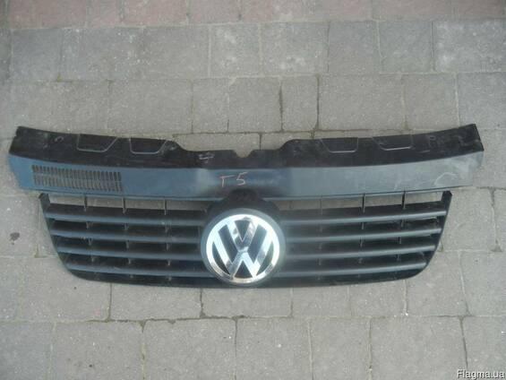 Решетка радиатора на VW Volkswagen T5 Фольксваген Т5