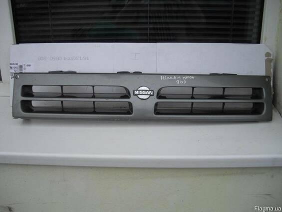 Решетка радиатора Nissan Micra