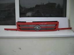Решетка радиатора Opel Astra
