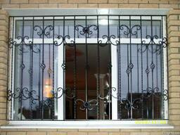 Продам недорого решетки на окна