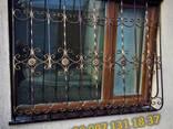Решетки на окна. Сварные и кованные металлические конструкции - фото 1