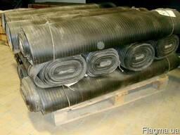 Резиновая ковровая дорожка.