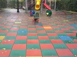 Резиновая плитка для детских и спортивных площадок