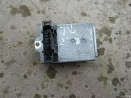 Резистор печки Volkswagen Т4 (1990г-2003г)