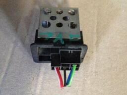 Резистор регулятор оборотов вентилятора печки Opel Zafira. ..