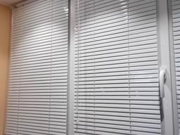 Жалюзи ролеты окна шторы день ночь