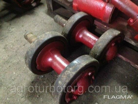 Ролик поддерживающий трактора ДТ-75 85.33.004
