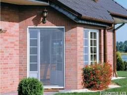 Роллетные москитные сетки на окна и двери.