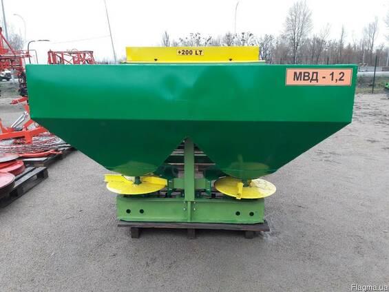 Розкидач міндобрив МВД - 1,2 на 1200 кг