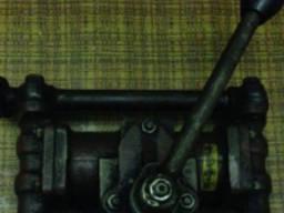 Ручной поршневой насос для двигателя левый 67251901 НВД36