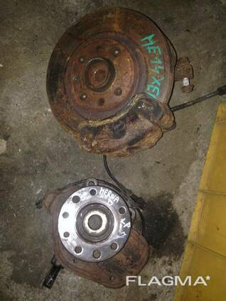 Рулевая цапфа ступица Opel Meriva 93328738 13116029. ..