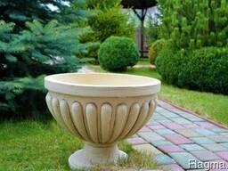 Садовые вазоны, керамические горшки, кашпо и амфоры.