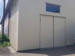 Сдаются три складских помещения площадью 170, 270, 300 кв. м