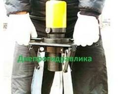 Съемник гидравлический 20 тонн (захват 420 мм) со встроенным