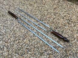 Шампура двойные с деревянной ручкой