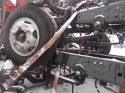 Шасі - рама автомобільна база 3,3 м - 3х тонний.